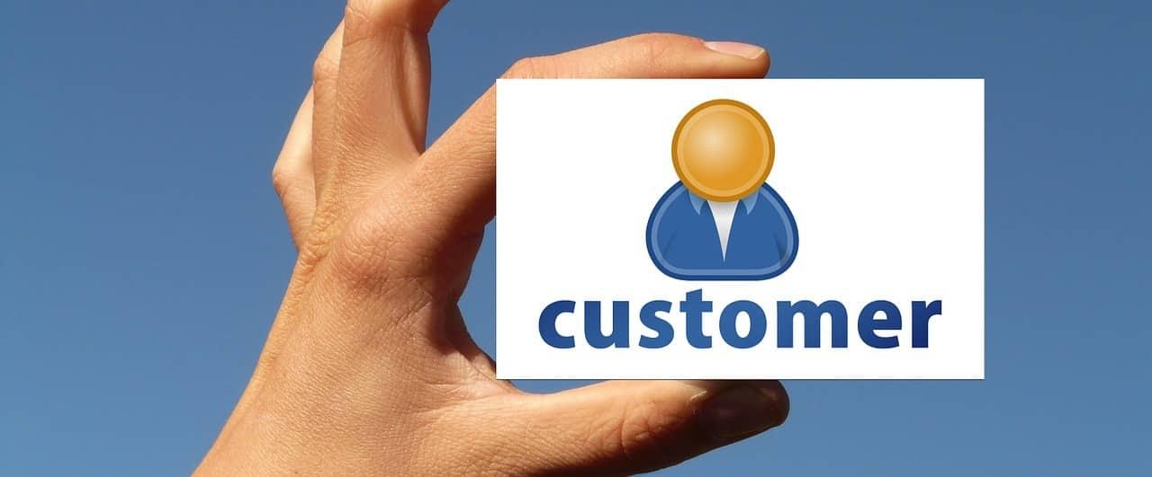 customer-1251735_1280.jpg